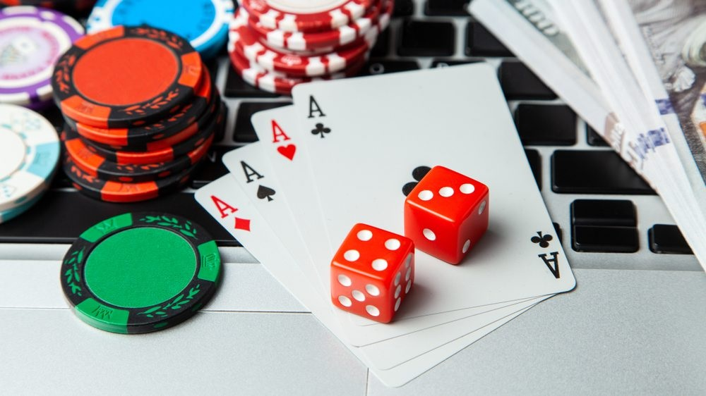 Ways To Be Safe From Online Scams While Playing Agen Idn Live Games