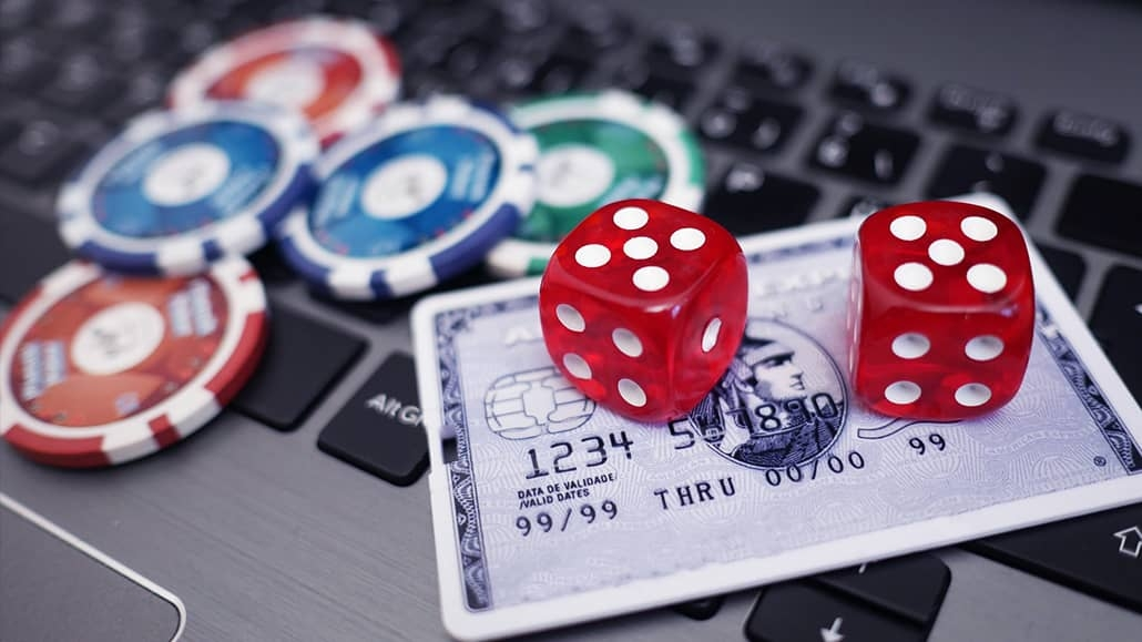 What are online casinos its types and games offered by them?