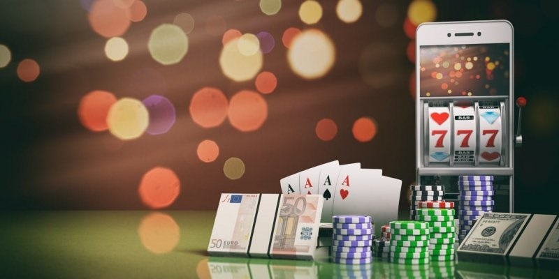 What are the benefits of playing online poker?